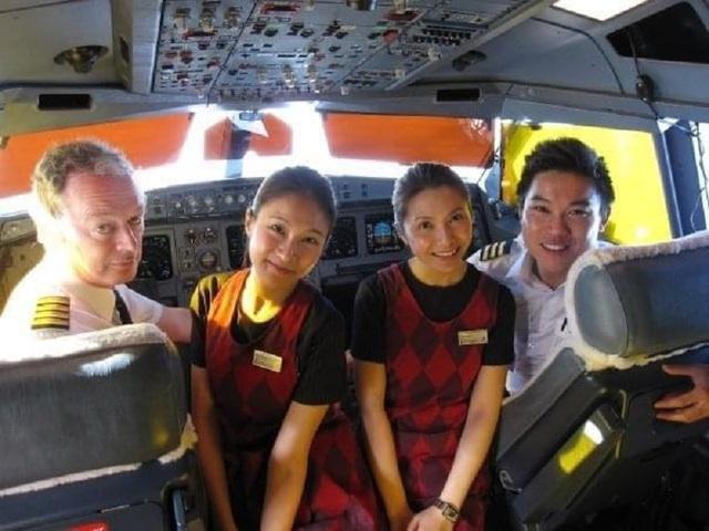 Nữ tiếp viên hàng không thất nghiệp sau 19 năm làm nghề, cô quyết tâm làm giàu muộn với một công việc đầy lãng mạn - Ảnh 1.