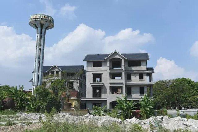 Cận cảnh dự án từng bị Thanh tra Chính phủ sờ gáy, hàng loạt biệt thự vẫn bỏ hoang - Ảnh 3.