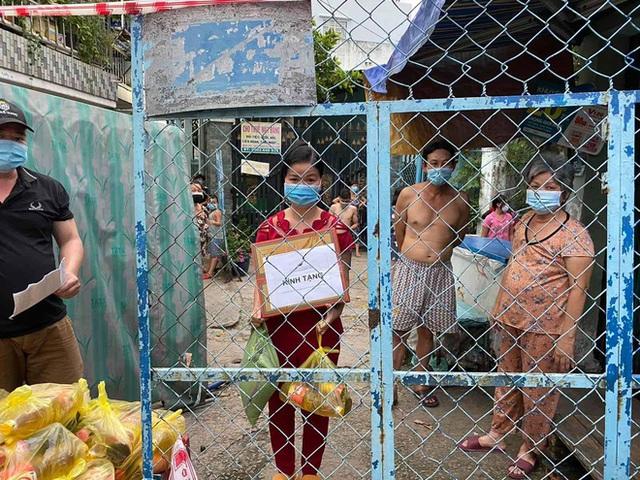 Khi cả nước hướng về Sài Gòn: Những lời kêu gọi, những quỹ từ thiện và chiến dịch tử tế ra đời để tiếp sức thành phố vượt qua dịch bệnh - Ảnh 14.