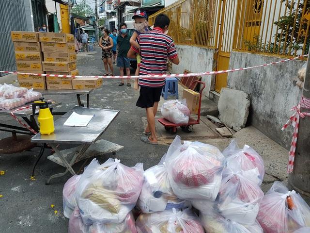 Khi cả nước hướng về Sài Gòn: Những lời kêu gọi, những quỹ từ thiện và chiến dịch tử tế ra đời để tiếp sức thành phố vượt qua dịch bệnh - Ảnh 19.