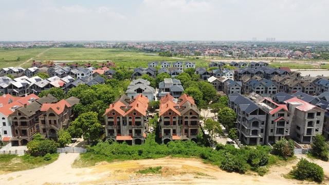 Cận cảnh dự án từng bị Thanh tra Chính phủ sờ gáy, hàng loạt biệt thự vẫn bỏ hoang - Ảnh 4.