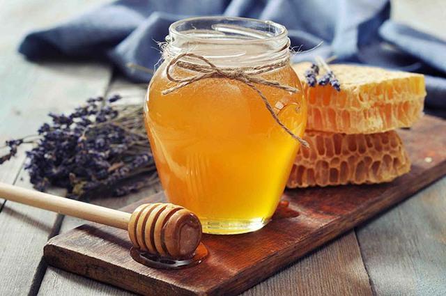 Những sai lầm khi dùng mật ong mà người Việt cần bỏ ngay trước khi khiến cả nhà mang bệnh - Ảnh 4.