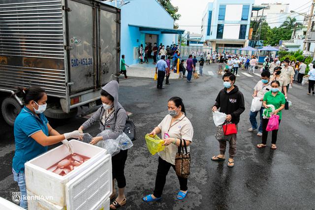 Khi cả nước hướng về Sài Gòn: Những lời kêu gọi, những quỹ từ thiện và chiến dịch tử tế ra đời để tiếp sức thành phố vượt qua dịch bệnh - Ảnh 10.