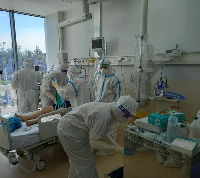 Biến chủng Delta lây lan cực nhanh, chuyên gia mách cách sử dụng điều hòa an toàn, tránh lây nhiễm Covid-19 - Ảnh 1.