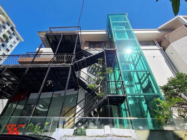 Cận cảnh biệt thự nhà giàu cơi nới phá vỡ quy hoạch trong khu đô thị ở Hà Nội - Ảnh 5.