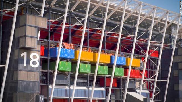 Choáng với độ chịu chơi của Qatar: Xây sân vận động mới để tổ chức 7 trận đấu World Cup 2022, sau đó bị tháo bỏ - Ảnh 1.