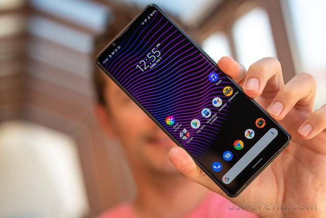 Nước cờ dị giúp Sony tránh vào vết xe đổ của BlackBerry, HTC, LG - Ảnh 2.