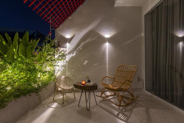 Ngôi nhà 40 tuổi trong ngõ nhỏ lột xác hoàn toàn sau cải tạo: Không gian thoáng, tràn ánh sáng, vừa gần gũi với thiên nhiên vừa đảm bảo riêng tư cho gia đình 3 thế hệ - Ảnh 7.