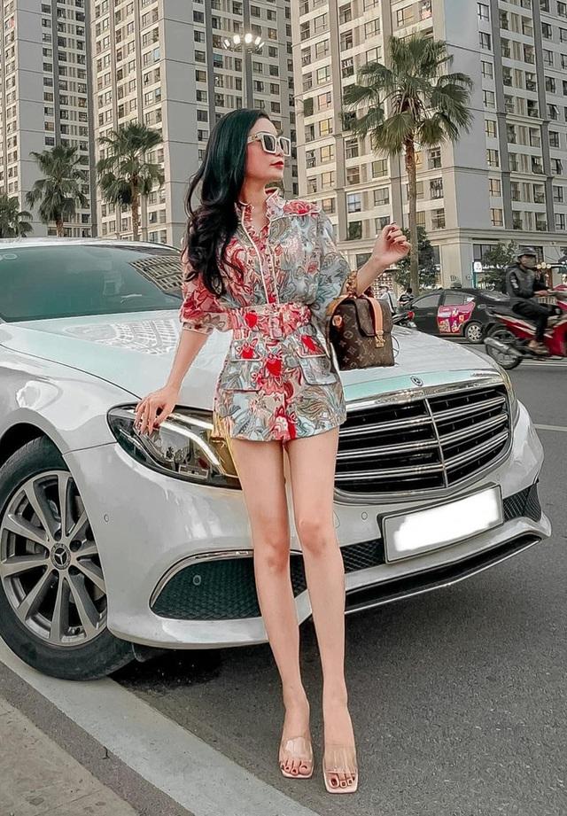 Soi giá dàn xe của hot boy, hot girl tài chính: Đủ loại Mẹc, Porsche giá từ 1,5 tỷ đến 11 tỷ đồng - Ảnh 6.