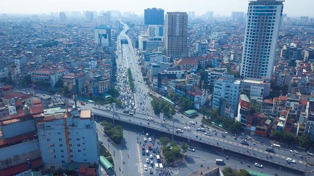 Đường phố Hà Nội thông thoáng trong ngày đầu thực hiện Công điện số 15 - Ảnh 9.