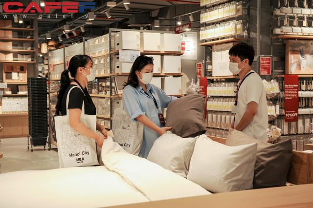 MUJI mất 2 năm để kiếm mặt bằng tại Hà Nội, khẳng định giá một số sản phẩm tại Việt Nam rẻ hơn các nước - Ảnh 4.