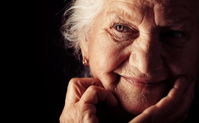 Chìa khóa sống thọ hài hước của cụ bà 102 tuổi: Đừng bao giờ xía mũi vào chuyện của người khác - Ảnh 2.