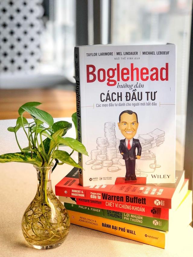 Buffett cho rằng Thật tệ nếu đi ngủ mà vẫn nghĩ về giá cổ phiếu nhưng sẽ thật tuyệt nếu biết nghiền ngẫm 5 cuốn sách về đầu tư sau: Không vé số hay may mắn nào cả, tất cả phụ thuộc vào bạn!  - Ảnh 5.