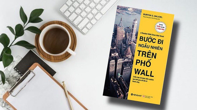 Buffett cho rằng Thật tệ nếu đi ngủ mà vẫn nghĩ về giá cổ phiếu nhưng sẽ thật tuyệt nếu biết nghiền ngẫm 5 cuốn sách về đầu tư sau: Không vé số hay may mắn nào cả, tất cả phụ thuộc vào bạn!  - Ảnh 3.