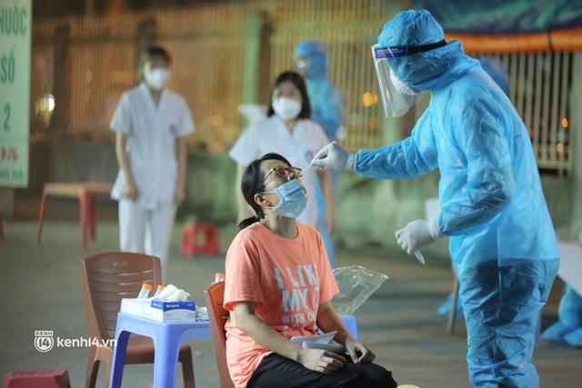 Chùm lây nhiễm hết sức phức tạp tại 1 nhà thuốc ở Hà Nội: Đã có 11 ca dương tính, trong đó 1 người thường đến chợ thuốc lớn nhất miền Bắc - Ảnh 1.