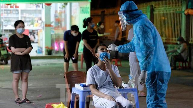 Hà Nội phong tỏa chợ thuốc lớn trên phố Láng Hạ do liên quan ca COVID-19  - Ảnh 5.