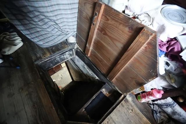 Cuộc sống chật vật bên trong những ngôi nhà mỏng tang như tờ giấy giữa lòng thành phố hoa lệ không bao giờ ngủ  - Ảnh 6.