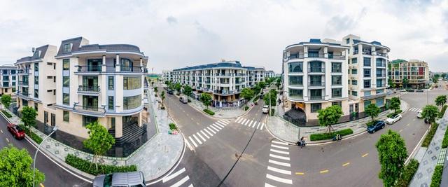 Bên trong khu 500 căn nhà phố có giá lên tới 300 triệu đồng mỗi m2, không gian sống sang chảnh giữa TP Thủ Đức - Ảnh 1.