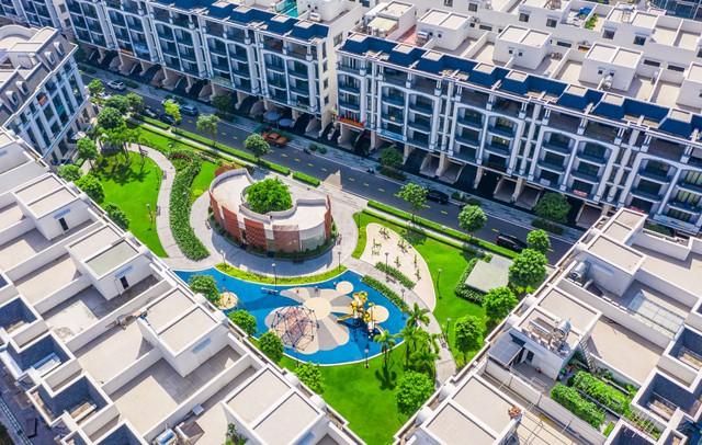 Bên trong khu 500 căn nhà phố có giá lên tới 300 triệu đồng mỗi m2, không gian sống sang chảnh giữa TP Thủ Đức - Ảnh 5.