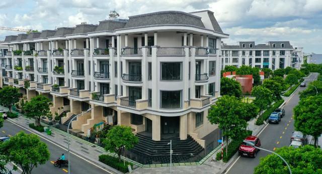Bên trong khu 500 căn nhà phố có giá lên tới 300 triệu đồng mỗi m2, không gian sống sang chảnh giữa TP Thủ Đức - Ảnh 3.