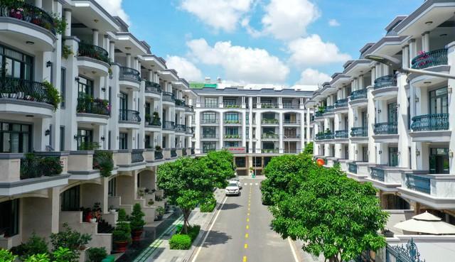 Bên trong khu 500 căn nhà phố có giá lên tới 300 triệu đồng mỗi m2, không gian sống sang chảnh giữa TP Thủ Đức - Ảnh 2.