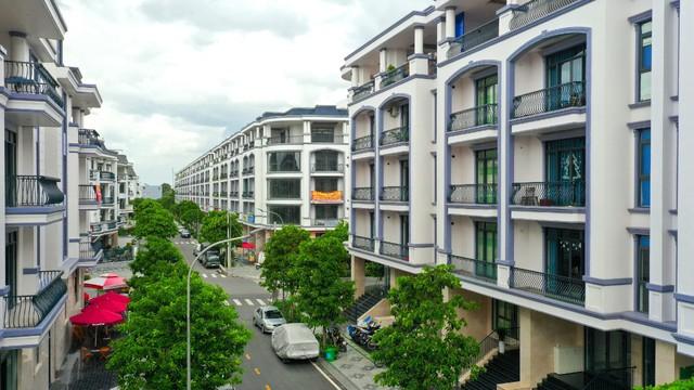 Bên trong khu 500 căn nhà phố có giá lên tới 300 triệu đồng mỗi m2, không gian sống sang chảnh giữa TP Thủ Đức - Ảnh 8.