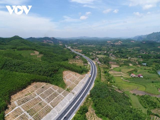 Phát hành trái phiếu doanh nghiệp để hoàn thành 3.800km đường cao tốc - Ảnh 2.