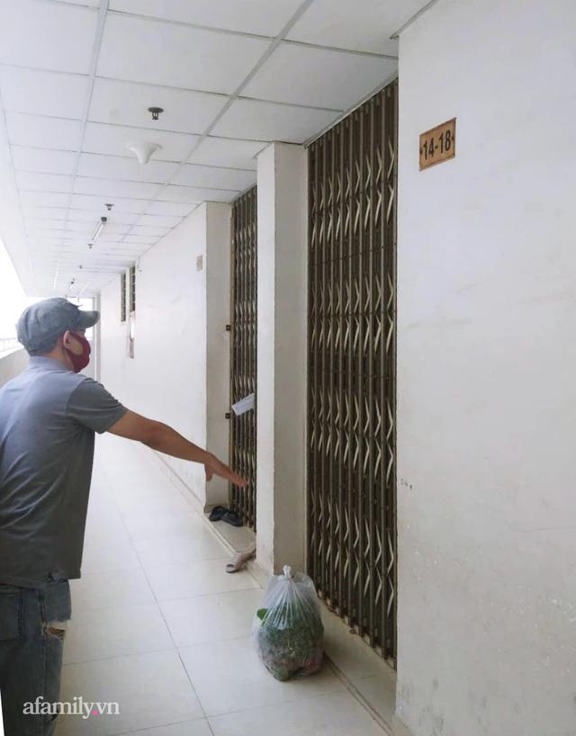 Chưa từng có tiền lệ: Cư dân Sài Gòn tiếp nhau từng mớ rau, nắm ớt, sẵn sàng chi viện cho cả đồng nghiệp mà ngày thường vốn chẳng ưa - Ảnh 2.