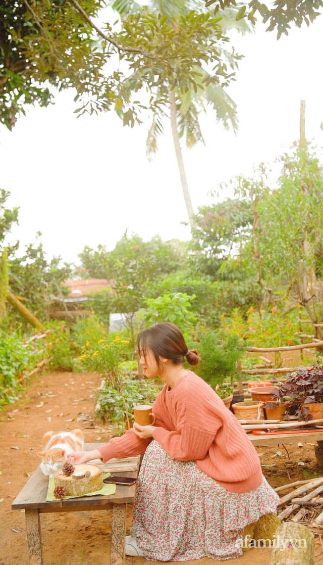 Cuộc sống yên bình bên khu vườn 2000m² sau hai năm bỏ phố về quê của cặp vợ chồng 9X - Ảnh 20.