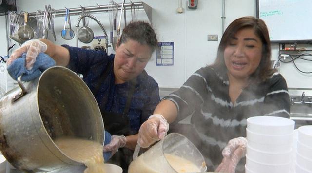 Giữa tình cảnh dịch bệnh, một gia đình gốc Việt ở Mỹ khiến mọi người xúc động vì hành động ấm lòng - Ảnh 1.