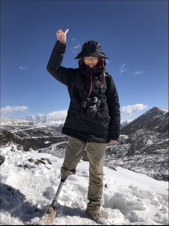 Cô gái sống sót trong trận động đất kinh hoàng, mất chân phải, trải qua 30 cuộc phẫu thuật để giữ mạng: Vượt qua mặc cảm, trở thành nhiếp ảnh gia và truyền cảm hứng cho nhiều người - Ảnh 9.
