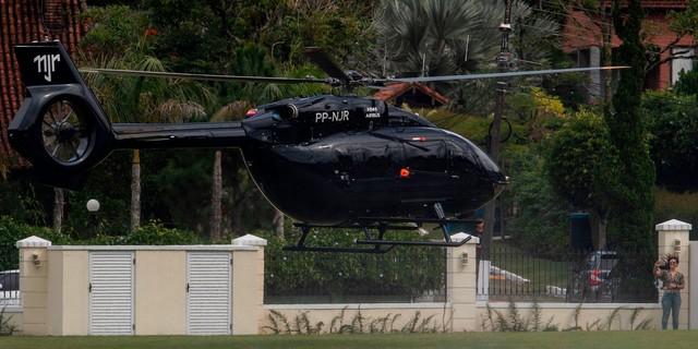 Không mặn mà với siêu xe, Neymar chơi hẳn trực thăng trị giá 15 triệu USD được thiết kế bởi Mercedes-Benz  - Ảnh 2.