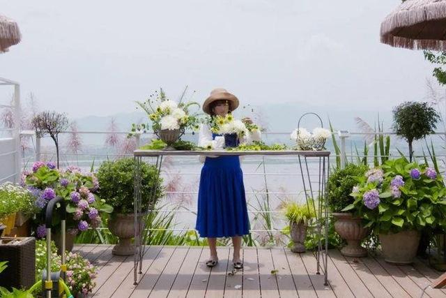 Người phụ nữ bỏ phố về quê để xây dựng vườn hoa 1500m2 đẹp nhất Trung Quốc: Nửa đời người dành cho gia đình, nửa đời sau, hãy dành cho chính mình - Ảnh 6.