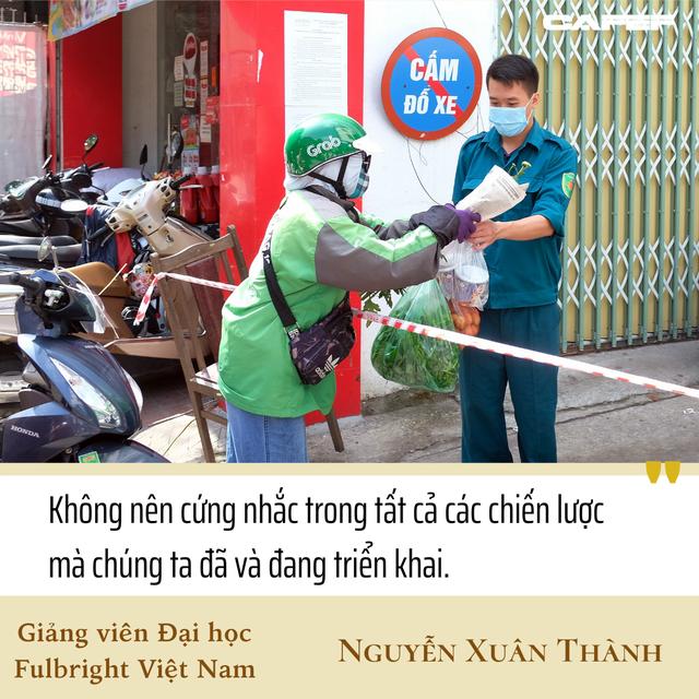 Giảng viên Fulbright Nguyễn Xuân Thành: Có thể tính tới tăng hỗ trợ cho doanh nghiệp, không chỉ hoãn nộp thuế mà có thể giảm - Ảnh 3.