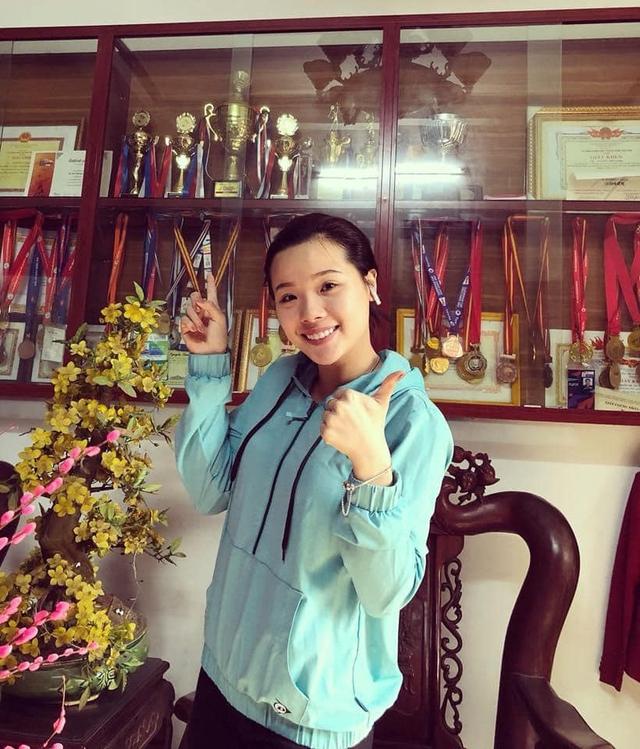 Hot girl cầu lông Nguyễn Thuỳ Linh đại thắng sao Pháp gốc Trung Quốc ở Olympic Tokyo - Ảnh 3.