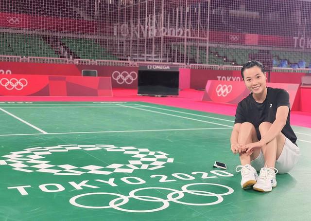 Hot girl cầu lông Nguyễn Thuỳ Linh đại thắng sao Pháp gốc Trung Quốc ở Olympic Tokyo - Ảnh 4.