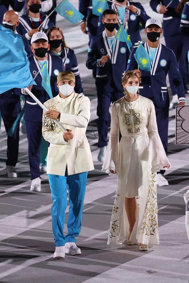 Nữ thần hot nhất Lễ khai mạc Olympic Tokyo 2020 vừa xuất hiện đã hớp hồn khán giả, dân mạng truy ra danh tính ngay - Ảnh 6.