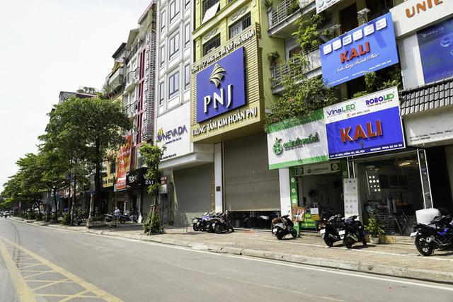 """Chủ quán ăn ở Hà Nội trước giờ đóng cửa: """"20 năm chưa từng gặp khó khăn như dịch bệnh lần này, càng bán càng lỗ"""" - Ảnh 9."""