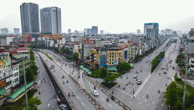 CLIP: Đường phố Hà Nội những ngày thực hiện chỉ thị 16 qua góc nhìn flycam  - Ảnh 3.