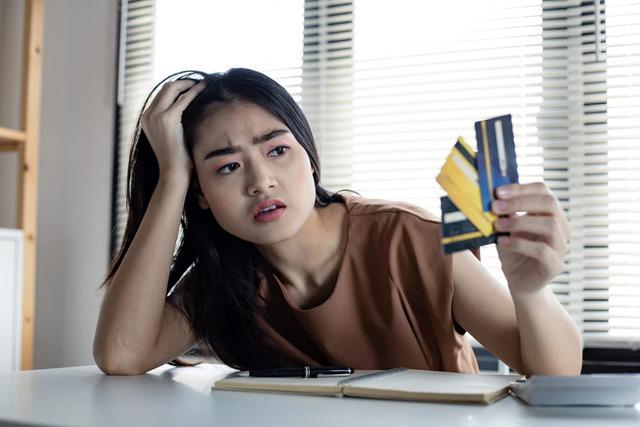 8 cách tiêu tiền khiến suốt đời bạn chẳng bao giờ ổn định về tài chính - Ảnh 1.