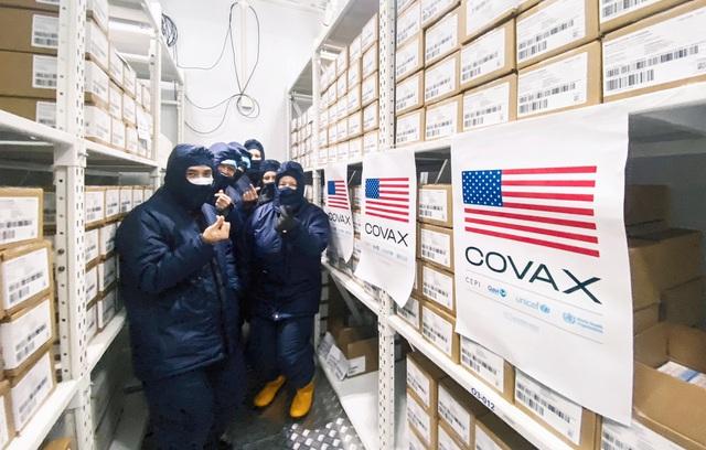 Cận cảnh kho chứa 1,5 triệu liều vắc xin Moderna Mỹ tại Thành phố Hồ Chí Minh - Ảnh 1.