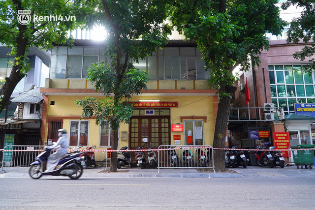 Hà Nội: Phong toả tạm thời trụ sở Công an phường Lê Đại Hành do một cán bộ test nhanh dương tính SARS-CoV-2 - Ảnh 1.