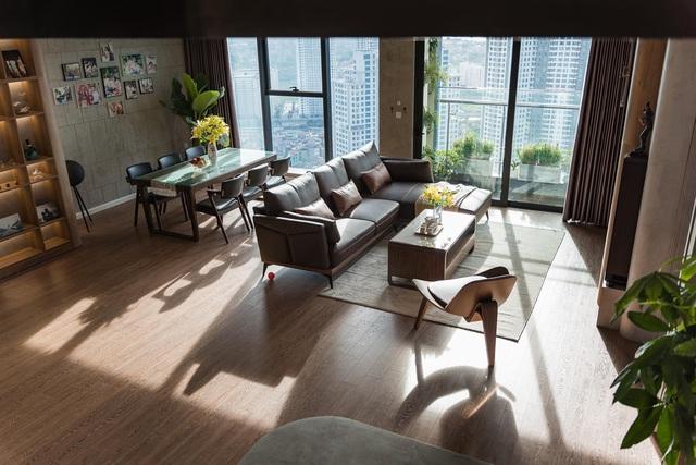 Căn hộ duplex ngập tràn ánh ánh nắng ở Hà Nội: Có nước chảy cây xanh, không gian thoáng đãng cho các hoạt động của gia đình - Ảnh 2.