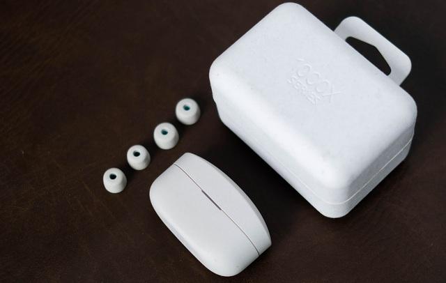 Đánh giá tai nghe không dây WF-1000XM4: Đủ sức đánh bại AirPods Pro? - Ảnh 1.