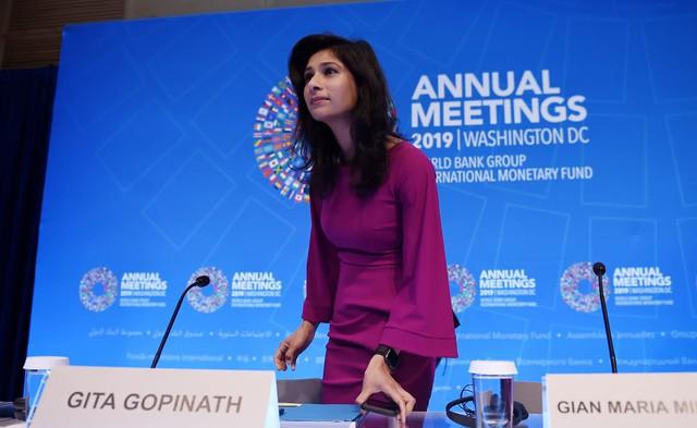 'Làn gió mới' xinh đẹp trở thành nữ kinh tế trưởng đầu tiên của IMF - Ảnh 2.