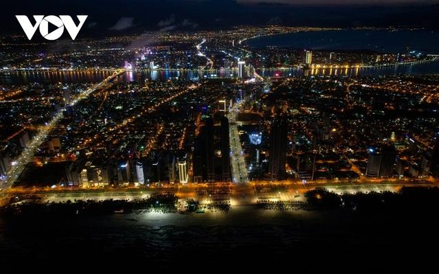 Thua lỗ, hàng loạt khách sạn ở Đà Nẵng rao bán, chẳng mấy người mua - Ảnh 2.