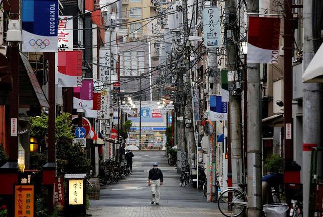 Thành phố đăng cai Olympic ghi nhận số ca mắc COVID-19 cao kỉ lục - Ảnh 1.