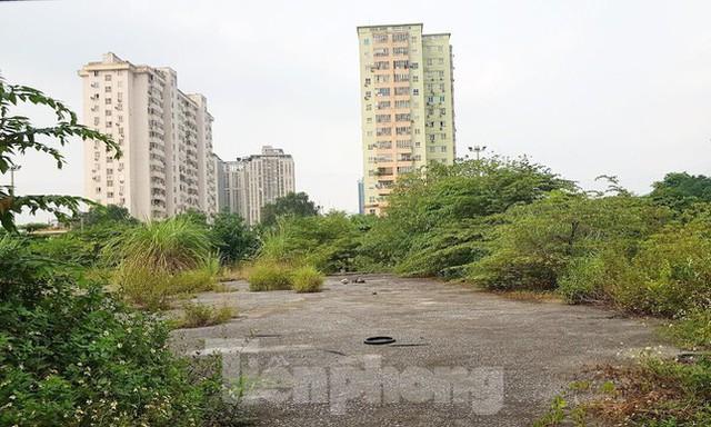 Yêu cầu triển khai 3 ô đất vàng chậm tiến độ cả thập kỷ ở Hà Nội - Ảnh 2.