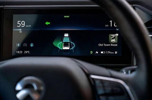 Huawei cách chức người đứng đầu bộ phận xe tự hành vì nói xấu Tesla - Ảnh 1.