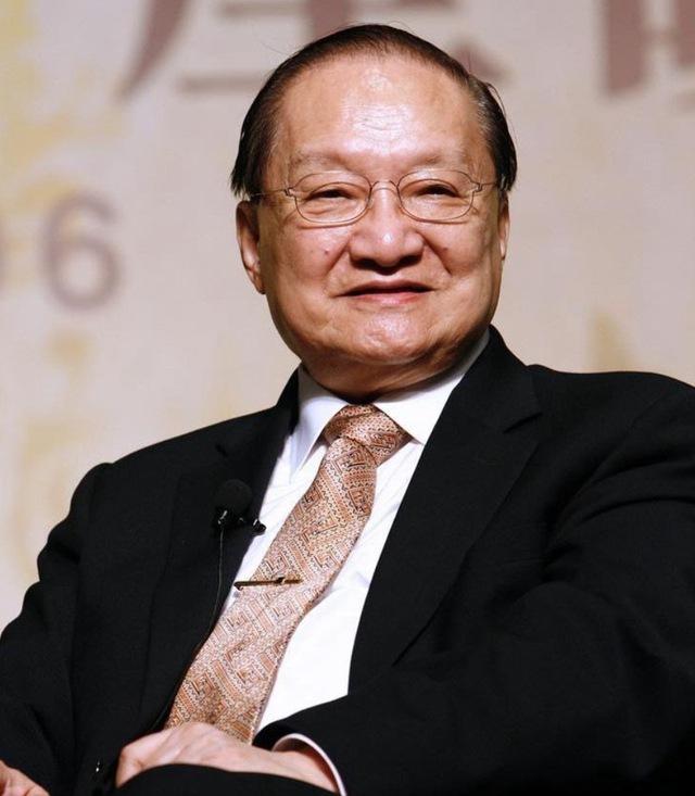 6 bí quyết đậm chất võ hiệp giúp nhà văn Kim Dung sống thọ đến 94 tuổi, bất chấp cuộc đời nhiều bất hạnh: Dưỡng tâm trước rồi mới dưỡng sinh - Ảnh 1.